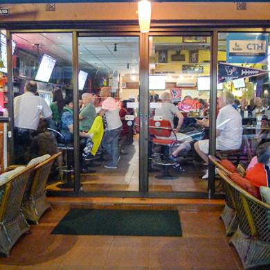 Metro Apartments Pattaya | Metro Bar
