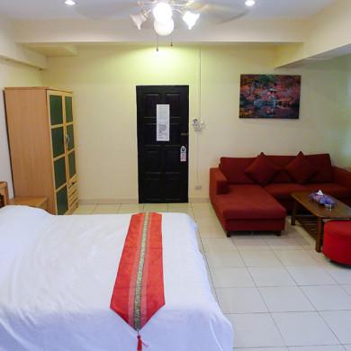 Metro Apartments Pattaya Standard Room